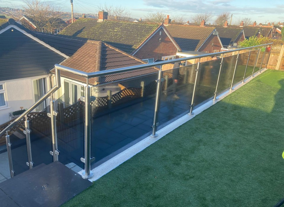Stainless steel and glass balustrade on Garden terrace