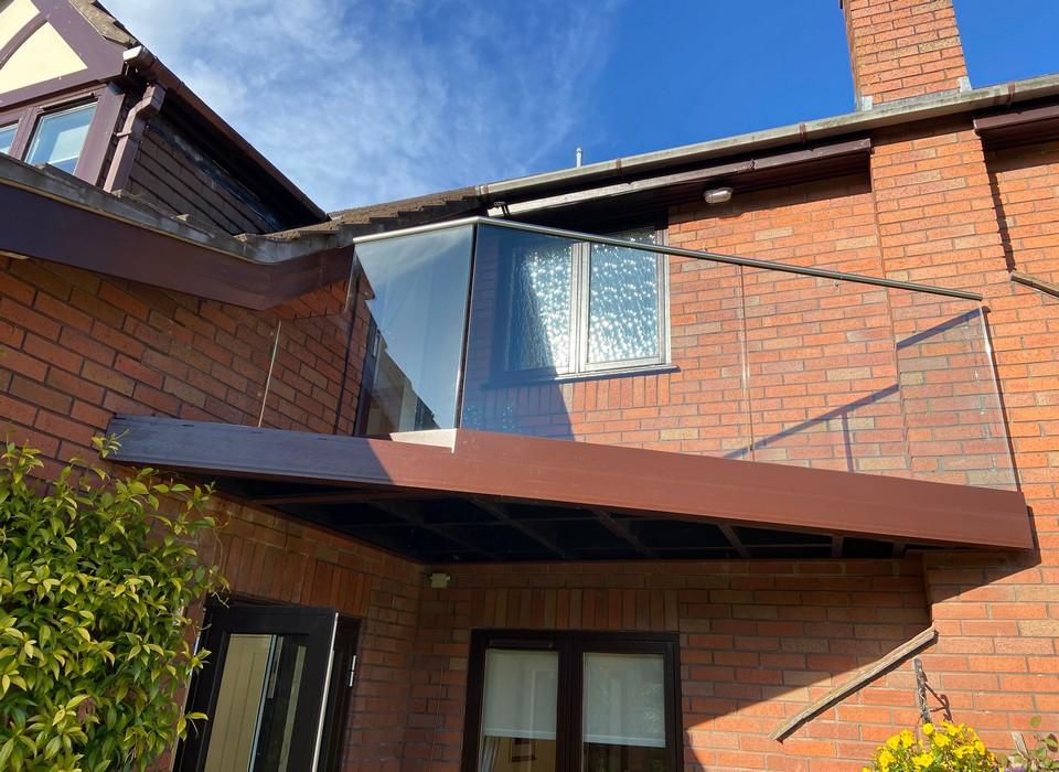 Glass balcony stainless handrail